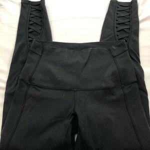 Lululemon night waisted 3/4 length leggings 6